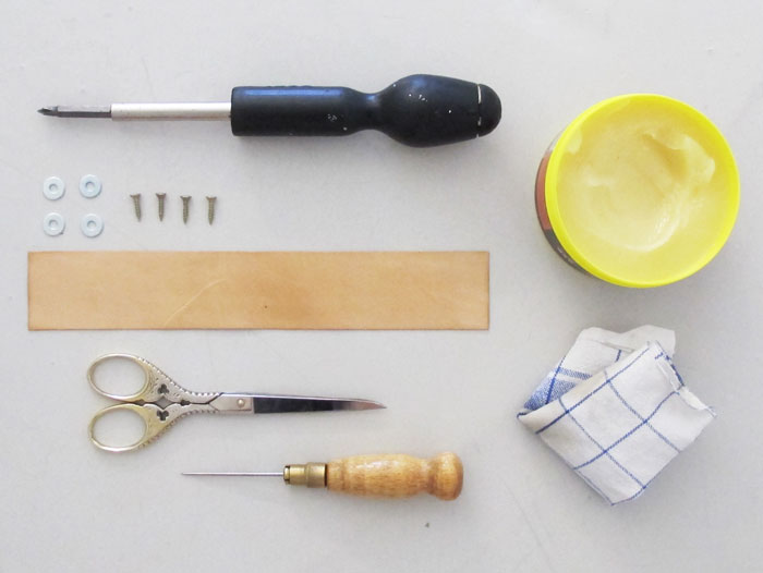DIY_Lederschlaufen_Zutaten